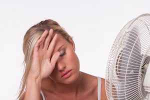 woman-with-fan